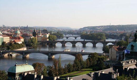 800px-Vltava_in_Prague