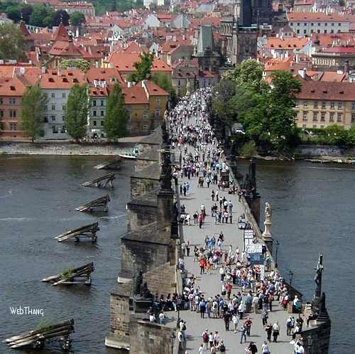CharlesBridge    A truly Pedestrian Bridge