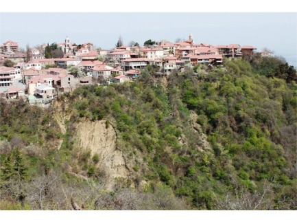 6603862-First_View_of_Sighnaghi_Sighnaghi