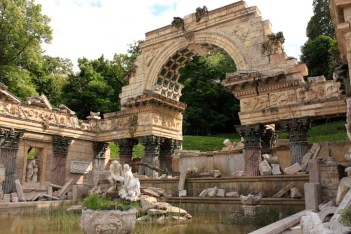 roman ruins palace