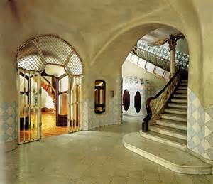 Staircase in Casa Batilo
