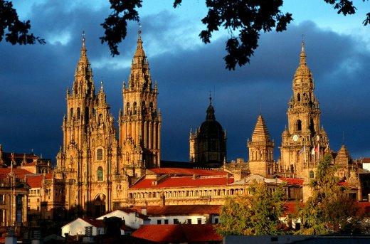 santiago-de-compostela-cathedral-in-spain_splendid-architecture_2354