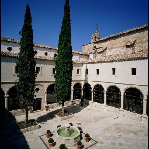parador_de_cuenca_14-courtyard